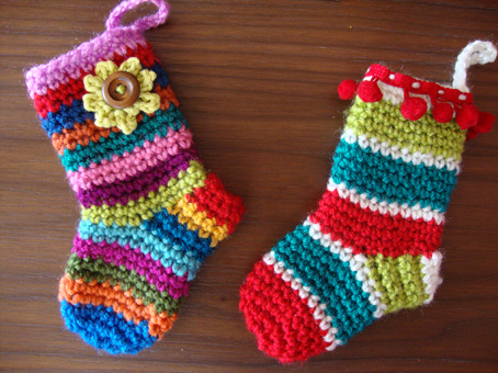 Free Crochet Patterns For Mini Christmas Stockings : Meias Graficos e Receitas