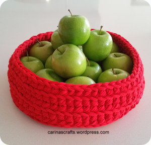 spaghetti yarn fruit bowl